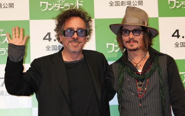 Johnny Depp con l'amico e regista Tim Burton alla presentazione di Alice in Wonderland