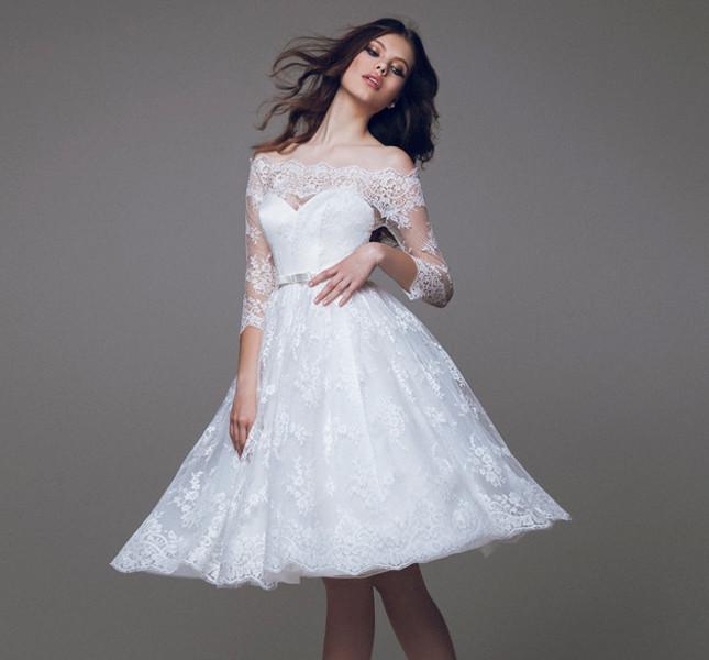 Corto, corto e corto l'abito Blumarine per la sposa che non desidera strascichi! Blumarine bridal collection 2015