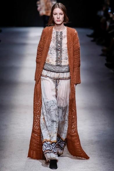 Cappotto di lana lungo fino ai piedi