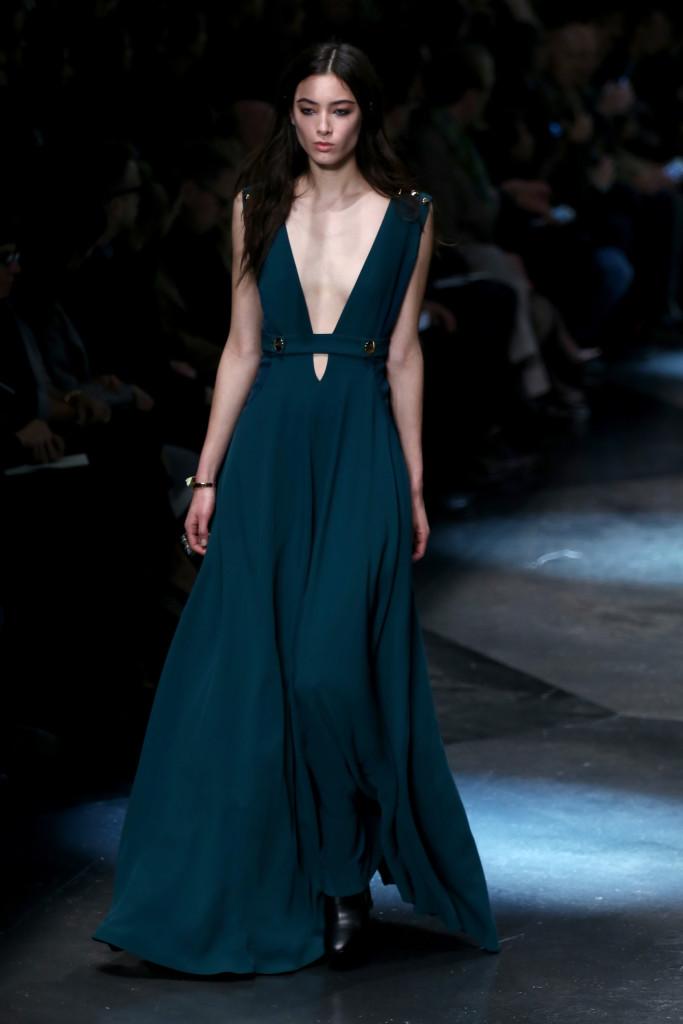 Il tinta unita è una... eccezionale eccezione, come dimostra un bellissimo abito verde petrolio