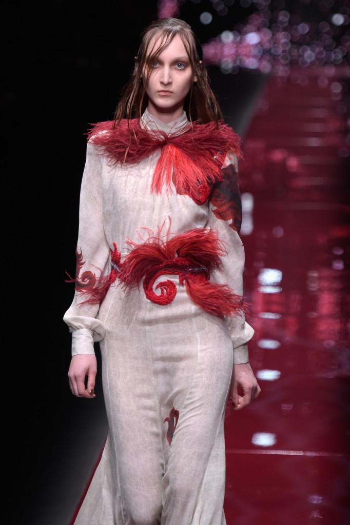Piume marabù, fil-rouge della collezione