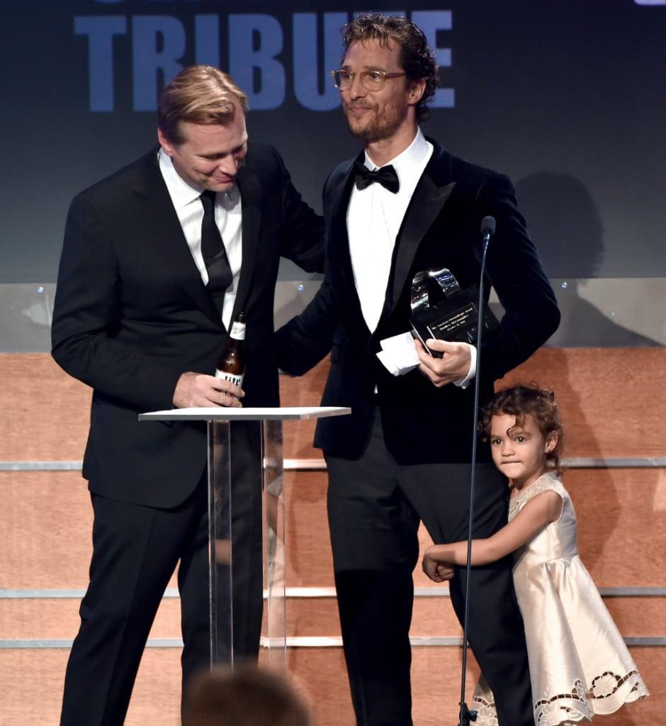 Christopher Nolan conferisce l'American Cinematheque Award a Matthew McConaughey alla presenza della figlia Vida Alves McConaughey