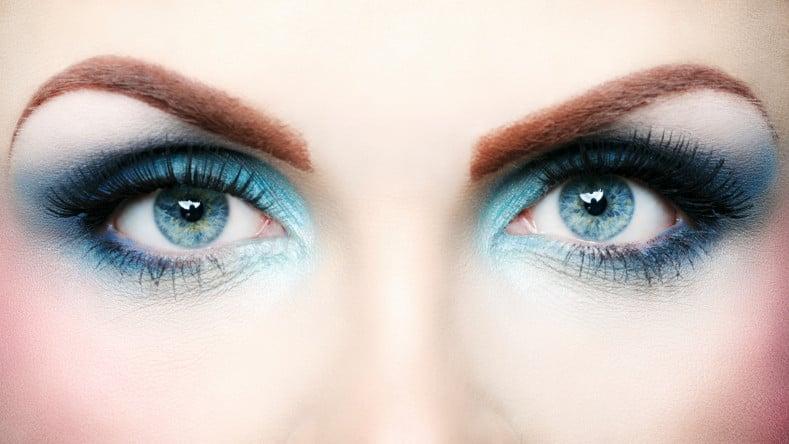 Smoke eyes con blu e celeste