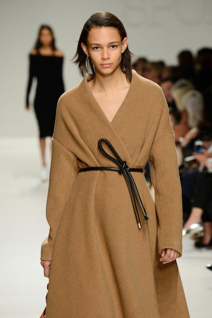 cappotto oversize a vestaglia