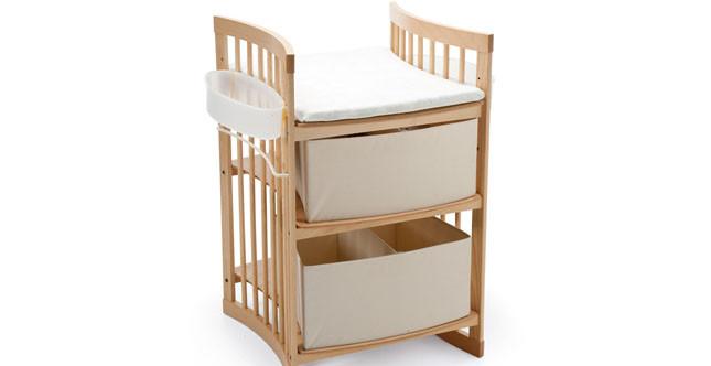 Stokke mod. Care fasciatoio con cassettiera interamente realizzato in legno naturale www.stokke.com