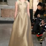Luisa Beccaria abito lungo color oro