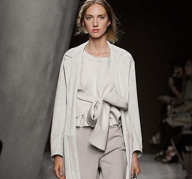 Look in grigio Bottega Veneta