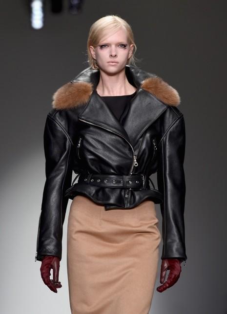 Braganza giacca in pelle nera su longuette