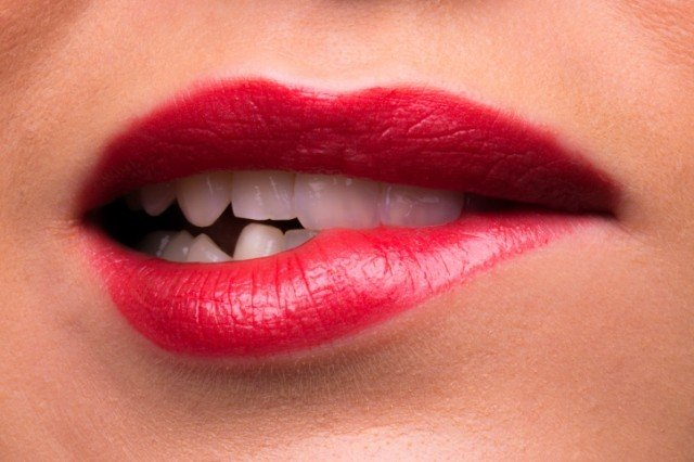 bruxismo digrignare i denti