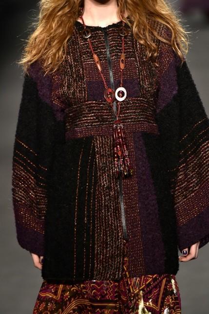 Anna Sui maxi collana motivi nordici