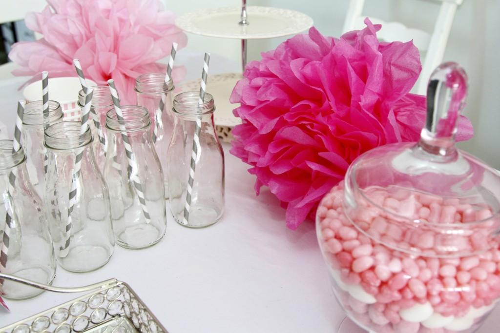 Come per un matrimonio o un battesimo anche in occasione di un baby shower noin devono mancare i confetti