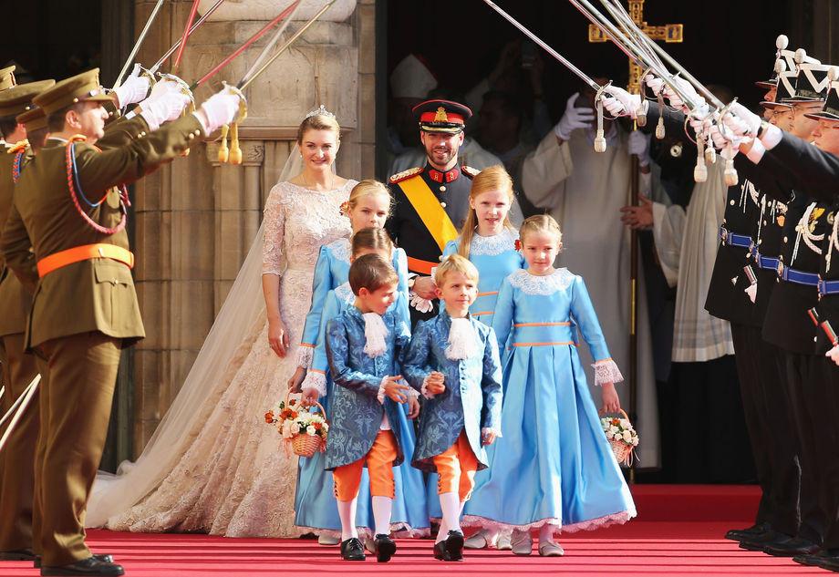 corteo-nuziale-del-matrimonio-reale-di-Guglielmo-e-Stephanie-di-Lussemburgo