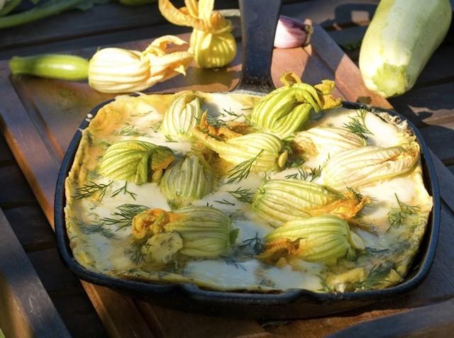 Frittata con fiori di zucca