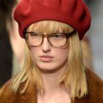 Gucci basco e maxi occhiali