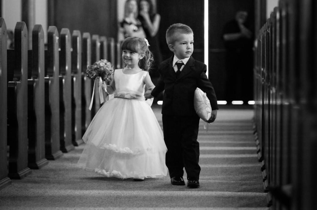 ingresso paggetti lungo il percorso della Sposa