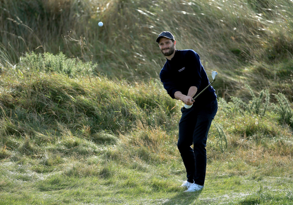 Jamie Dornan al Championship Links a Carnoustie, in Scozia