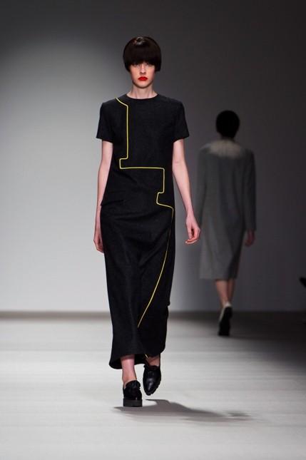 Long dress con linea geometrica J.JS. Lee
