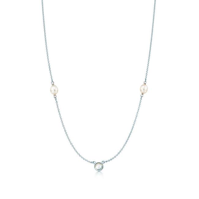 Tiffany & Co. collana Sprinkle in argento con selenite taglio cabochon e due perle coltivate di acqua dolce