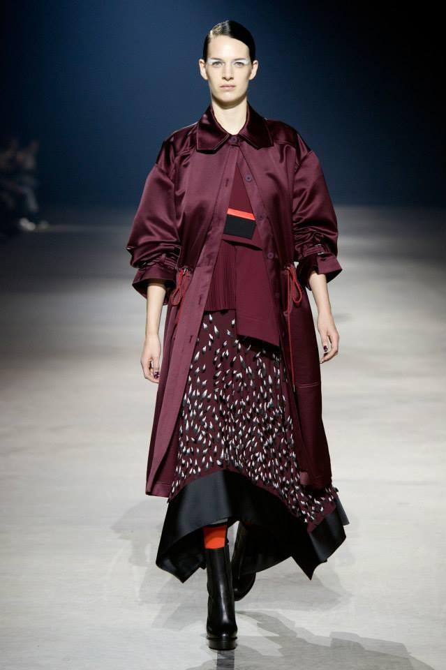 Tanto vinaccia per il look creato da Humberto Leon & Carol Lim