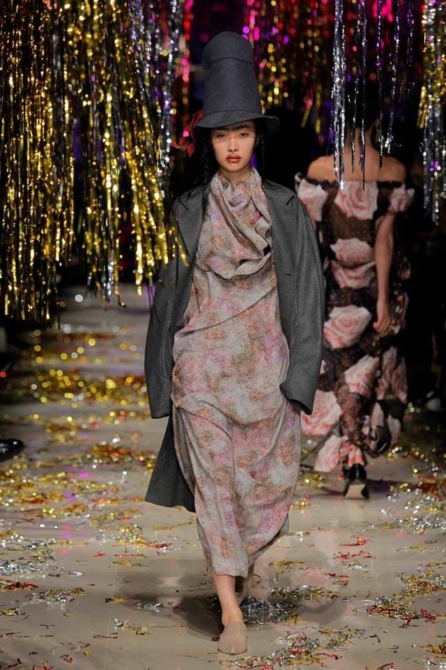 Il celebre cappello a cilindro di Vivienne Westwood