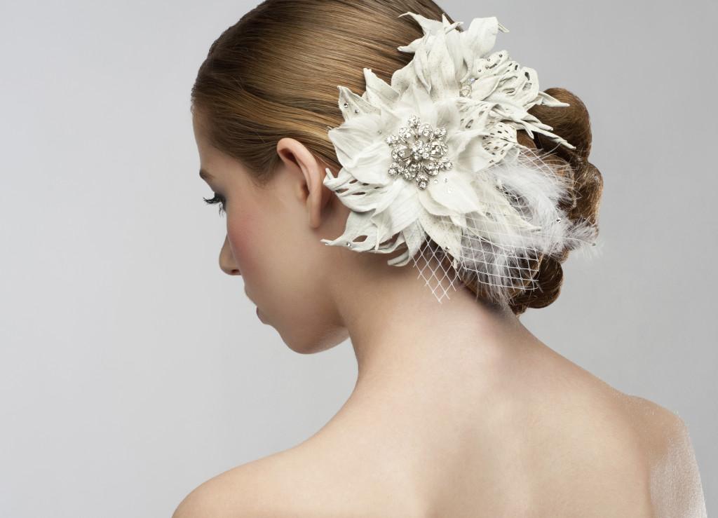 fiori bianchi artificiali per un raccolto