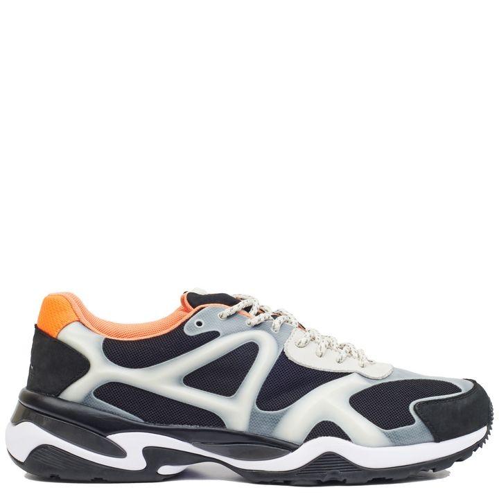 Grigio, nero e arancio: le McQ Run Low Sneakers hanno un mood grintoso e chic