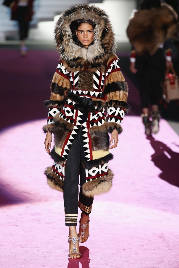 Pelli e pellicce come quelle degli Indiani d'America e dei popoli caucasici