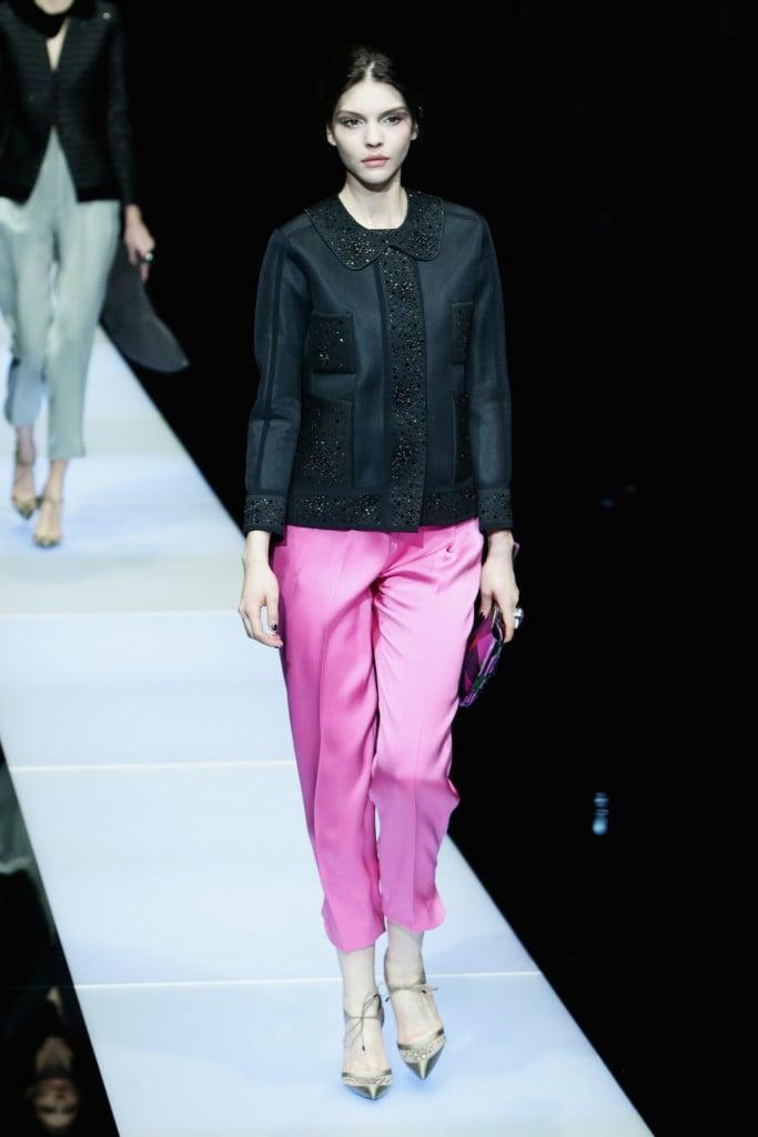 Rosa baby per i pantaloni morbidi, da portare a contrasto con la giacchina black