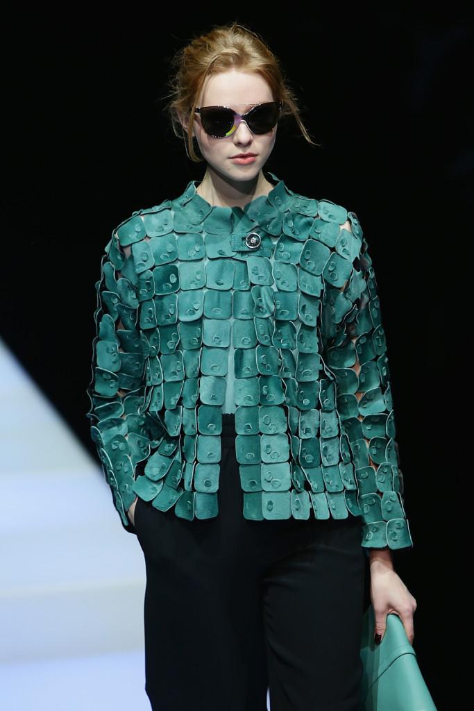 Verde smeraldo per la giacchina particolarissima, Giorgio Armani