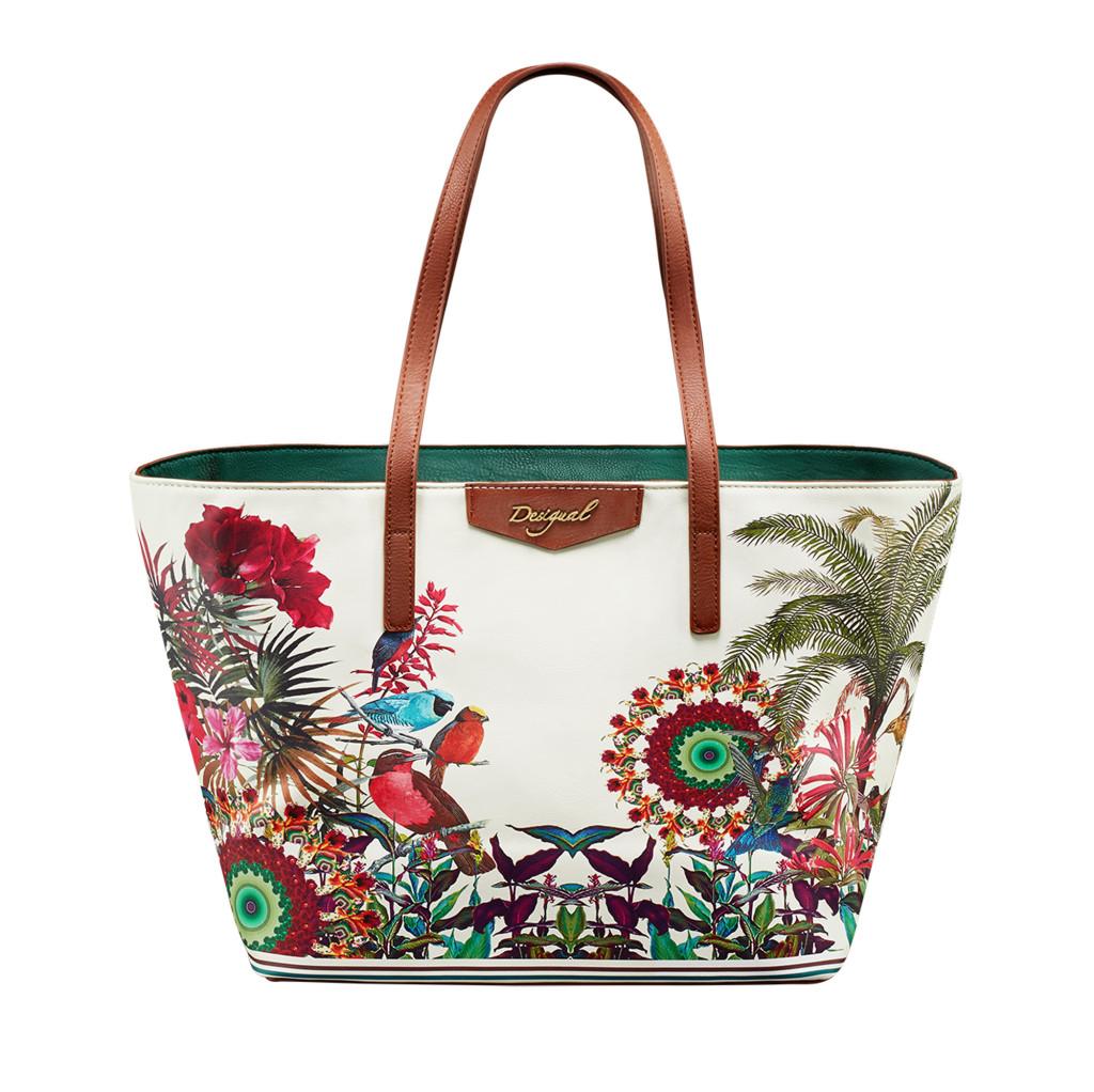 borsa tipo shopping in cui si fondono in modo onirico fiori, piante e uccelli esotici_Desigual