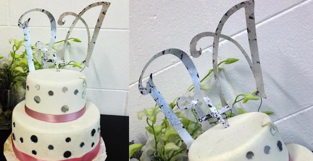 Cake topper by Bluemilia studio