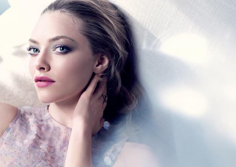 1 Cle de Peau Enchanted Beauty Makeup Collection