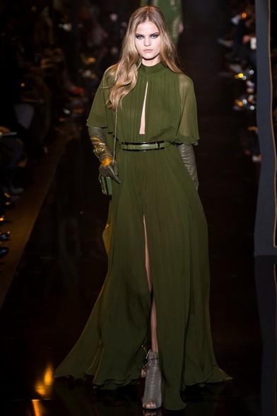 Leggero chiffon per l'abito lungo verde muschio