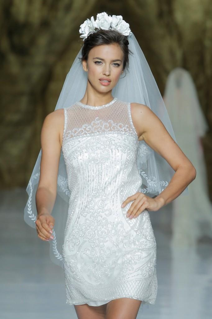 abito da sposa corto Pronovias
