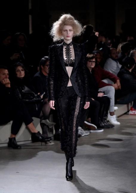 Alexander McQueen pantaloni con dettagli in pizzo e blazer