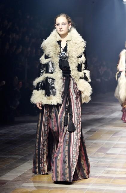 Lanvin gonna lunga in stile gitano e giacca con dettagli fur