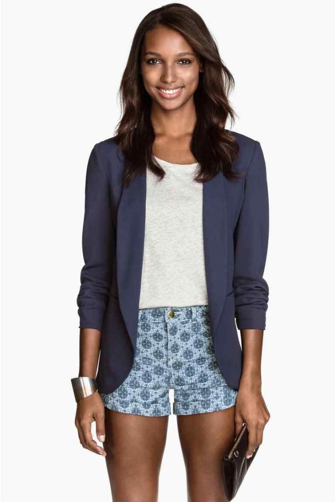 Short con maglie e blazer