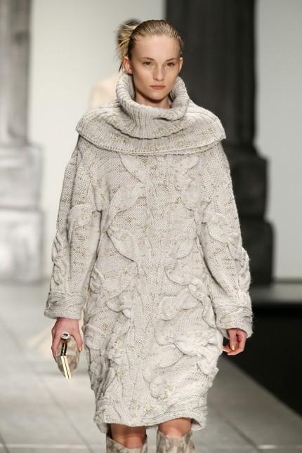Laura Biagiotti maglione oversize bianco