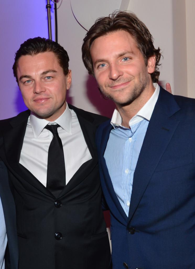 Leonardo DiCaprio e Bradley Cooper al secondo gala Sean Penn and Friends Help Haiti al Montage Hotel di Los Angeles nel gennaio 2013