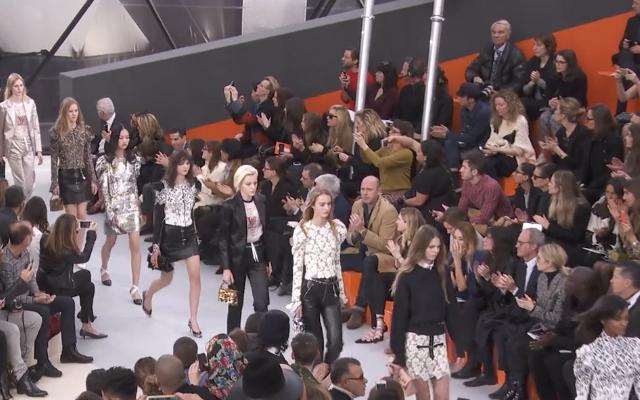 Il finale della passerella AI 2016  Louis Vuitton