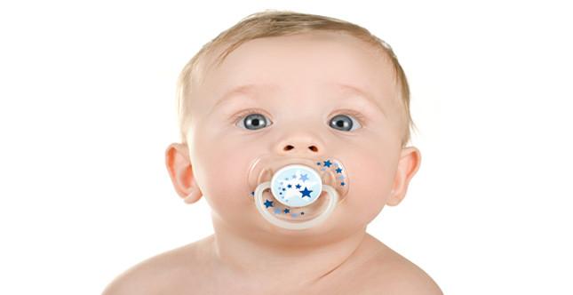 il succhietto è l'oggetto più amato dai piccolini sin dai primi momenti di vita