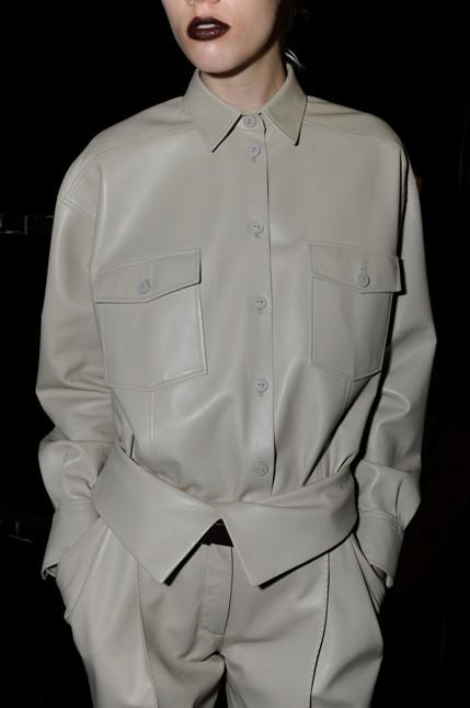 Trussardi camicia e pantalone tono su tono