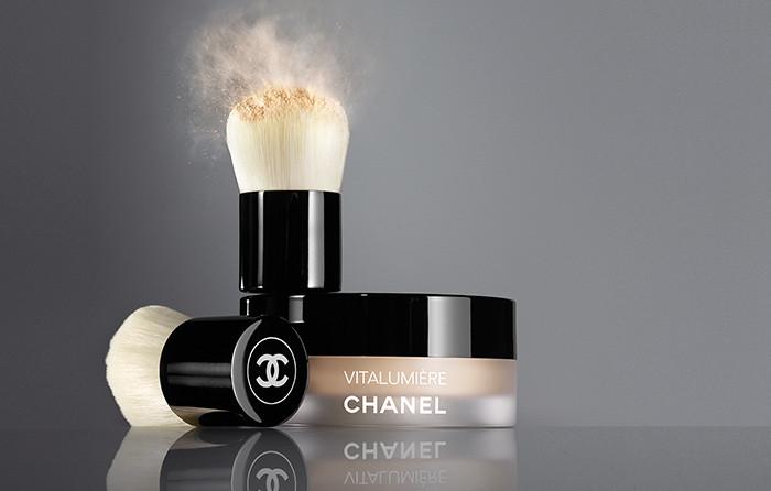Chanel - fondotinta Vita Lumieère Poudre Libre