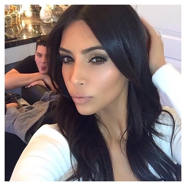 Il trucco pesante come quello di Kim Kardashian? Bocciato