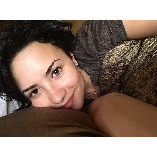 Demi Lovato senza make up