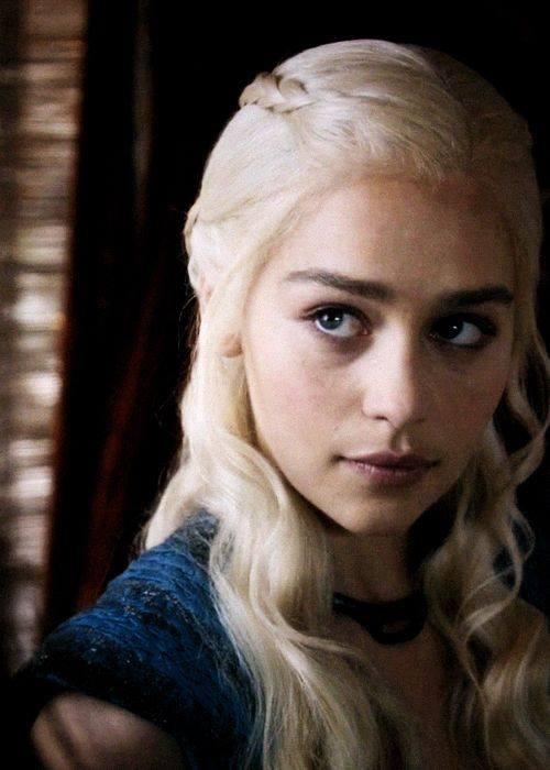 Il make up occhi di Daenerys Targaryen è all'insegna della naturalezza