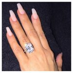 L'anello di fidanzamento regalato da Kanye