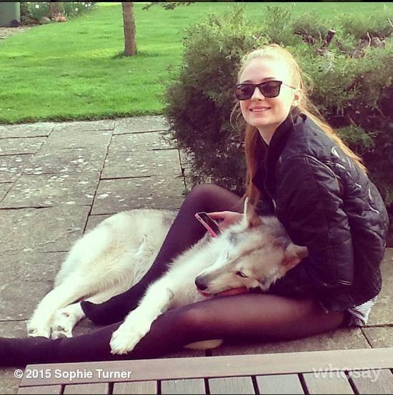 Sophie Turner con il suo