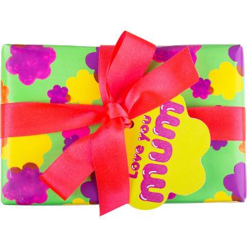 Love You Mum – Regalo Contiene Helping Hands crema mani, Love You Mum sapone e Secret Garden bomba da bagno.