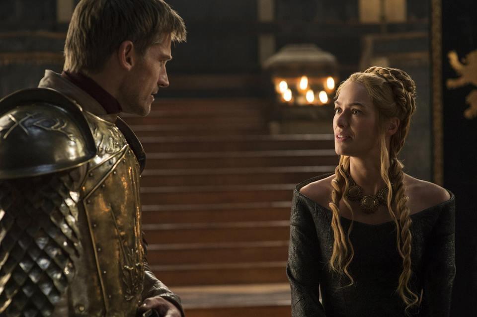 Cersei Lannister, Lena Headey indossa delle parricche bionde